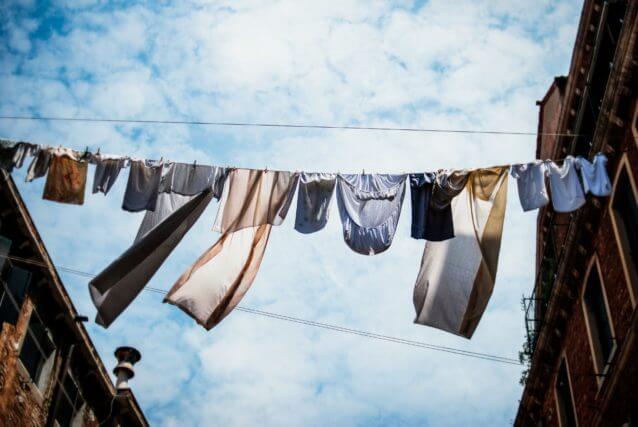 ワキガがうつる原因3 ワキガの臭いがついた洗濯物を一緒に洗濯すると他の洗濯物にもニオイがうつる