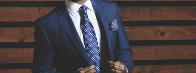 スーツ・シャツのしわを伸ばす