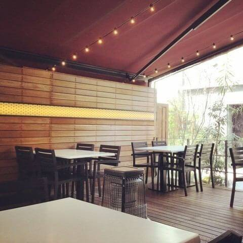 La VASARA CAFE AND GRILL 浅草店