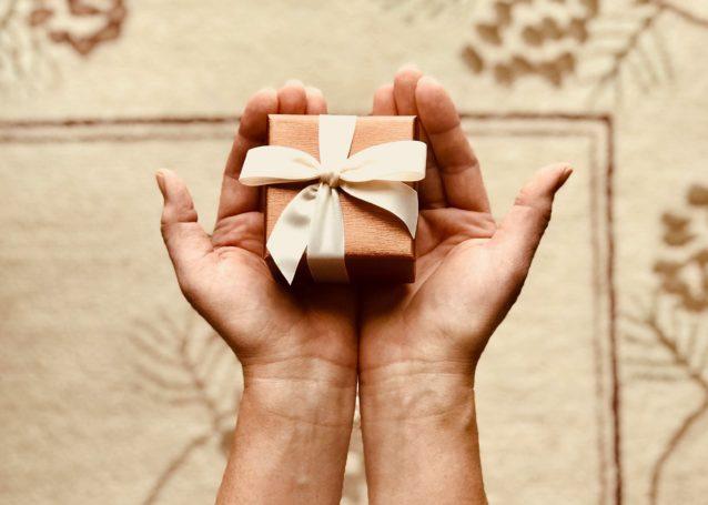 プレゼント一つで天と地の差が出るモテる男とモテない男