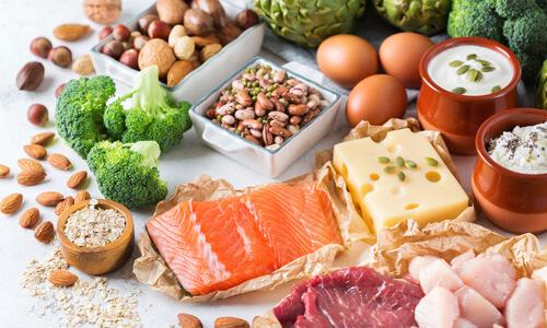 筋トレダイエットを成功させるために必要な栄養素はたんぱく質。