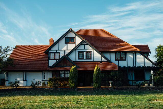 7位 資格に投資・宅地建物取引士(宅建士)