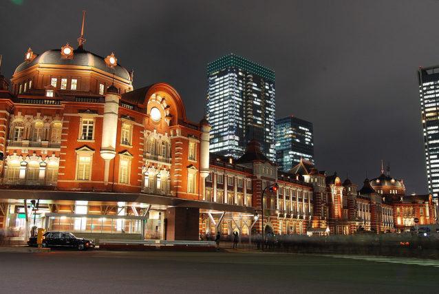 年下女性を誘う東京都内のデートスポットランキング2位:東京駅