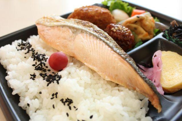 コンビニダイエットで重要なポイントはカロリーを抑えること?糖質を制限すること?どっちが重要なの?