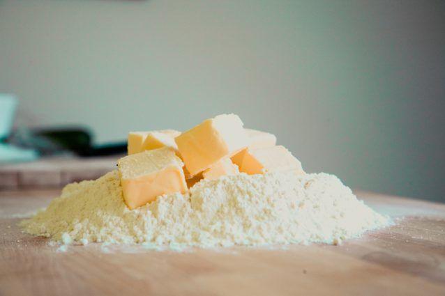 ココナッツオイルは牛肉の脂肪やバターと同じぐらい悪い!?