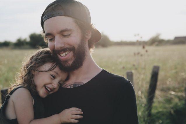 父親が親権を取った場合、妻から養育費は取れる?