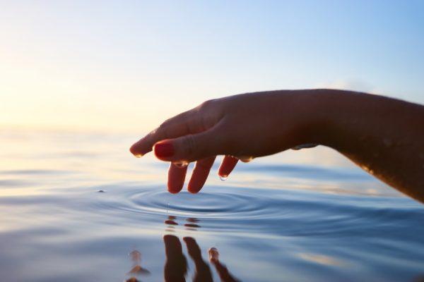 水素 水 詐欺に騙されないために家庭用水素水を購入する時のチェックポイントは何?