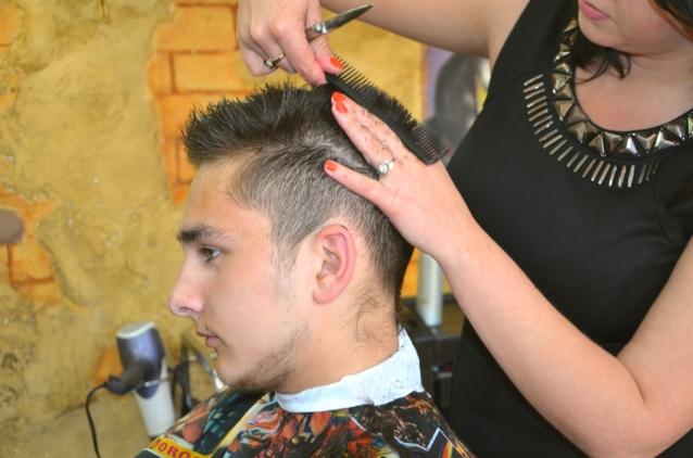 ステップ2:髪型を変える・セットする