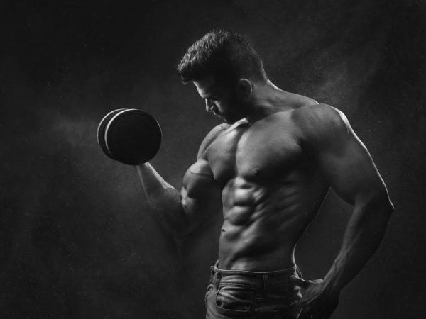 毎日の腕立て伏せをして、筋肉を太くする方法
