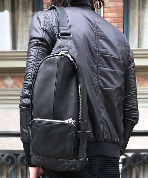 【DECADE(ディケイド)】Oiled Cow Leather Body Shoulder Bag ボディショルダーバッグ(DCD-00989)