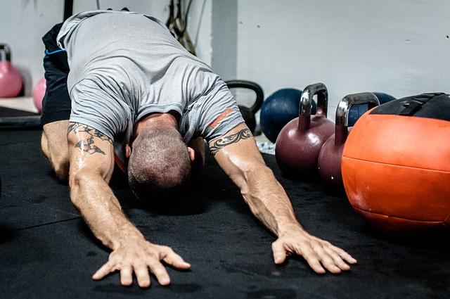 腹直筋が筋肉痛になった場合の対処法